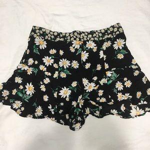 XXI sunflower flowy shorts size medium